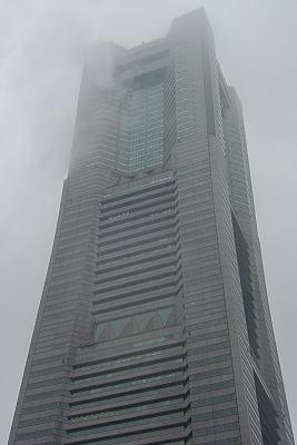 霧にかすむ新キング